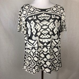 Everleigh embroidered black and white blouse sz L